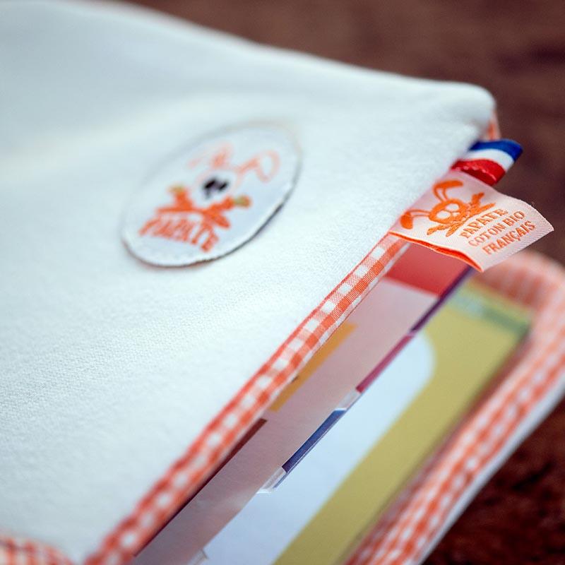 Protege carnet de sante coton bio papate wooly tete mort de lapin france