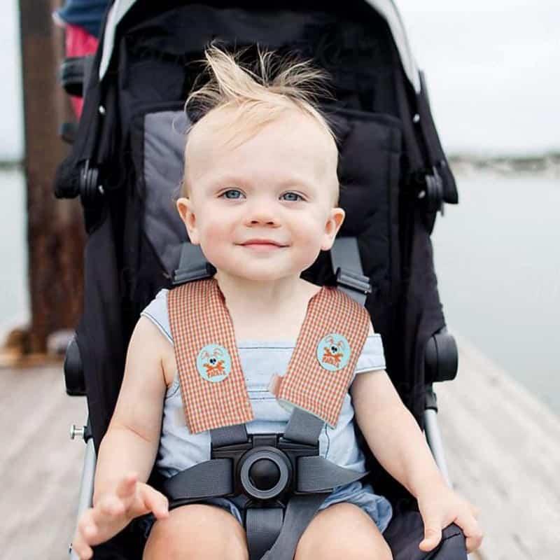 fourreau protege ceinture perl sur bebe poussette papate